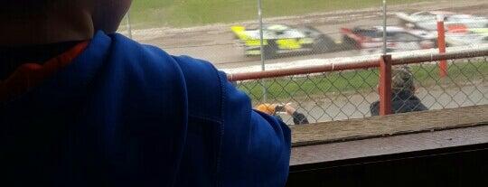 Utica-Rome Speedway is one of Locais curtidos por Edward.