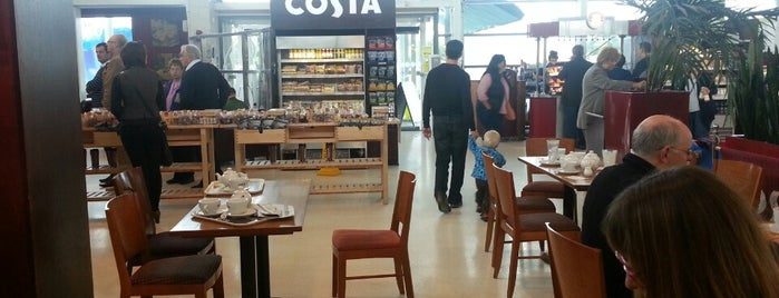 Costa Coffee is one of Nicholasさんのお気に入りスポット.