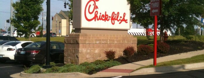 Chick-fil-A is one of Lugares favoritos de Hannah.