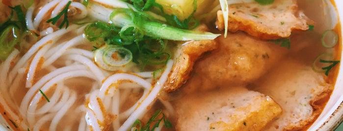 Dong Do is one of Lieux sauvegardés par Plot.