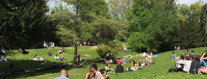 Parc des Buttes-Chaumont is one of Par!s.