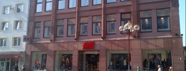 H&M is one of Marta's Liked Places.