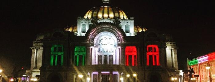 Palacio de Bellas Artes is one of Museos DF.