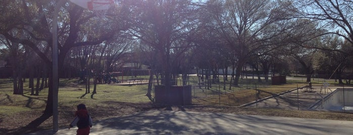 Fretz Park is one of Must-visit Great Outdoors in Dallas.