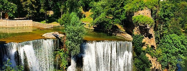 Jajce Waterfall is one of Tempat yang Disukai Loresimaqq.
