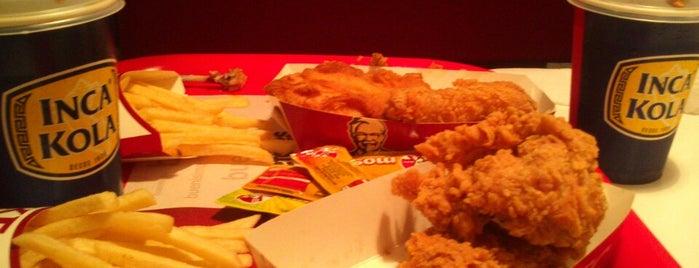 KFC is one of Tempat yang Disukai Robert.
