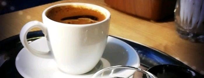 Rağbet Cafe & Lounge is one of Onur 님이 좋아한 장소.