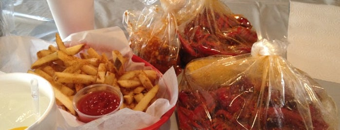 Hot N Juicy Crawfish is one of Places I wanna go.