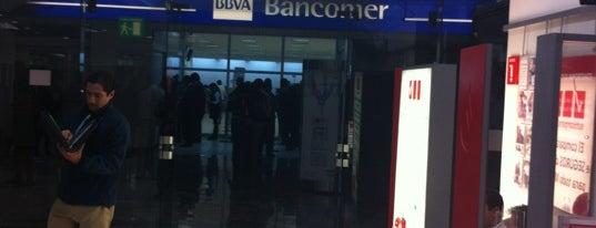 BBVA Bancomer is one of สถานที่ที่ Carolina ถูกใจ.