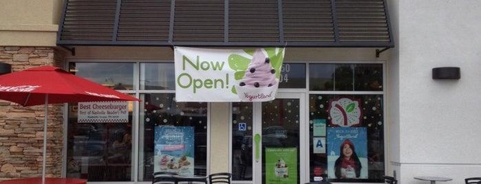 Yogurtland is one of Kris : понравившиеся места.