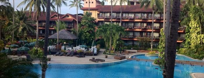 Patong Merlin Hotel Phuket is one of สถานที่ที่ TOLGA ถูกใจ.