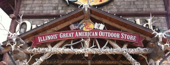 Bass Pro Shops is one of Jennifer's Saved Places.
