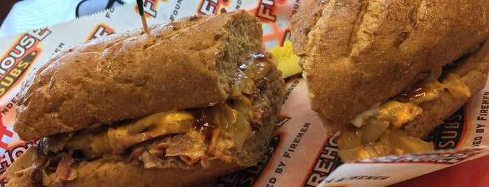 Firehouse Subs is one of Steveさんのお気に入りスポット.