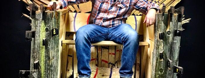 BATL Axe Throwing is one of Lugares favoritos de Steve.