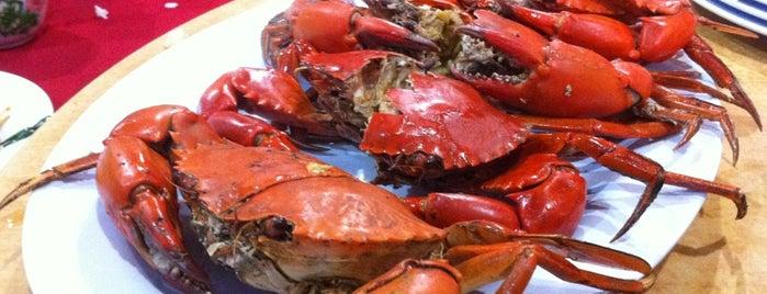 Yen Seafood (燕海鲜餐厅) is one of Lugares favoritos de Chuah.