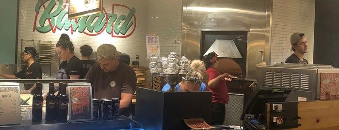 MOD Pizza is one of สถานที่ที่ stew ถูกใจ.