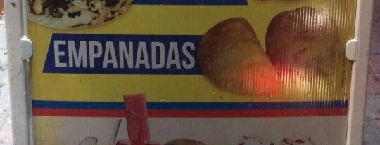El Carretero Restaurante & Panaderia is one of Tempat yang Disukai Andrew.