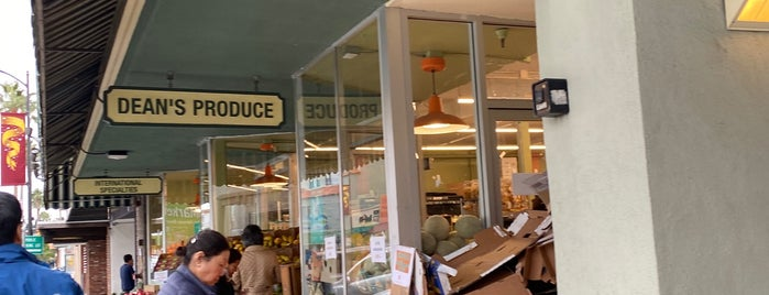 Dean's Produce is one of Karenさんのお気に入りスポット.
