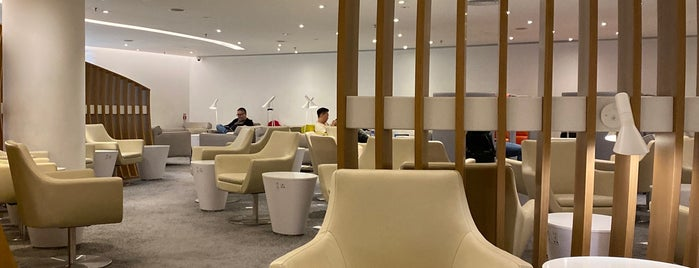 SkyTeam Lounge is one of Posti salvati di Orietta.