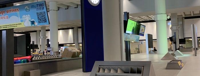 Baggage Claim Belt No.6 is one of Orte, die Shank gefallen.