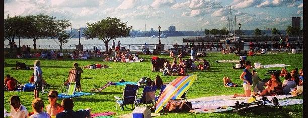 Nelson A. Rockefeller Park is one of À faire à New York.