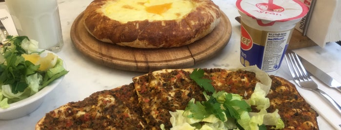 Lahmacun Plus is one of Lieux qui ont plu à Volkan.