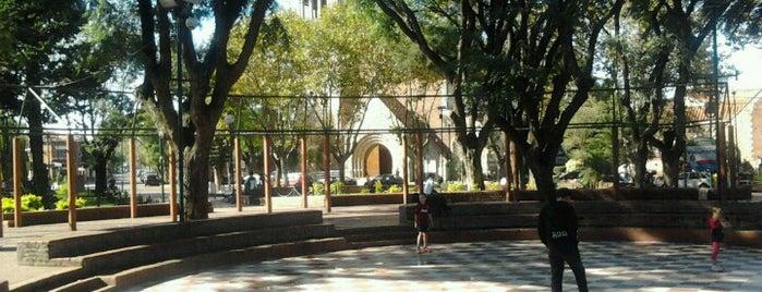 Plaza 9 de Julio is one of Lieux qui ont plu à Alejandro.