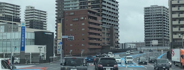 Tatara Junior High School West Intersection is one of 道路.