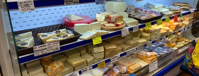 Global Cheese is one of Skeeterさんのお気に入りスポット.