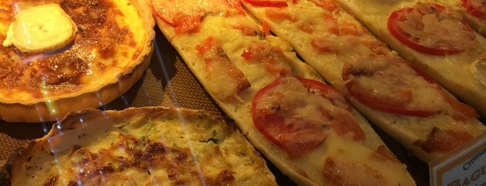 Croissant Doré is one of 25 Desayunos imprescindibles de España y Europa.