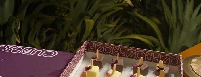 FROZ is one of สถานที่ที่ Lina ถูกใจ.