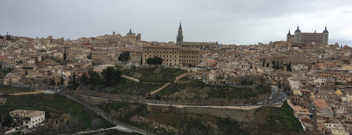 MIRADOR del valle is one of Toledo.