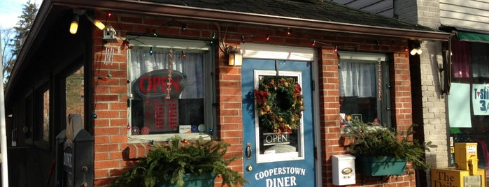 Cooperstown Diner is one of Lizzieさんの保存済みスポット.