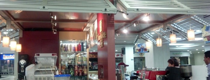 Juan Valdez Café is one of Lou : понравившиеся места.