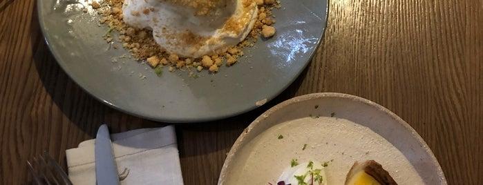 Tilda Food & Bar is one of Locais curtidos por Vera.