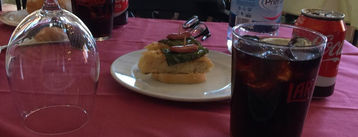 Los Segovianos is one of Locais curtidos por Agy.