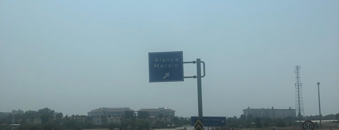 Manavgat - Alanya Yolu is one of Yasemin Arzu 님이 저장한 장소.