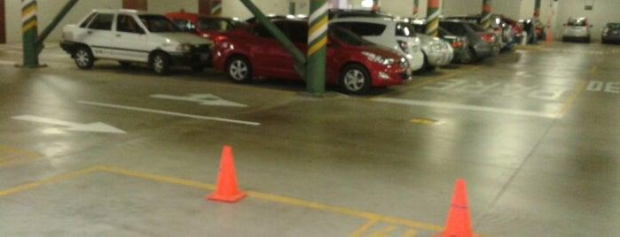 Estacionamiento UPC is one of Lugares favoritos de Paola.