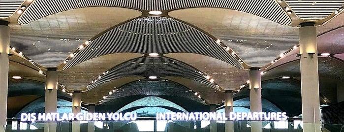 İstanbul Havalimanı (IST) is one of DAS'ın Beğendiği Mekanlar.