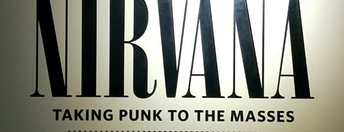 Nirvana: Taking Punk To The Masses Exhibit is one of Lugares favoritos de Marie.