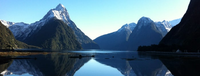 Milford Sound is one of Новая Зеландия.