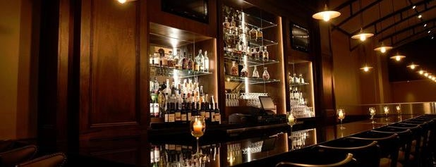 Frankie & Johnnie's Steakhouse is one of New York City Classics.