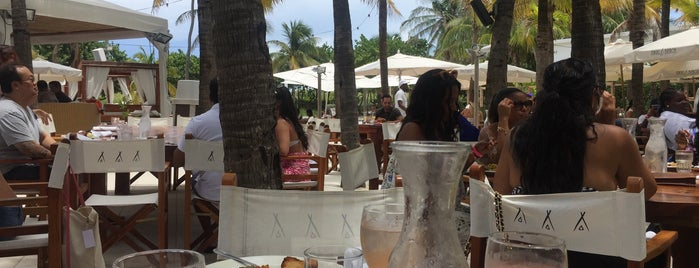 Nikki Beach Miami is one of Lugares favoritos de Zeba.