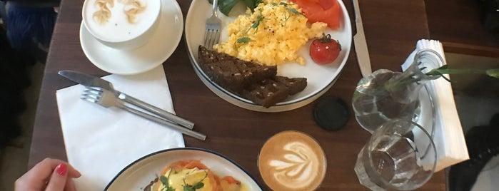 Salute Coffee is one of Anastasia'nın Beğendiği Mekanlar.