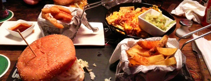 Twister Rock&Food is one of Noa'nın Beğendiği Mekanlar.