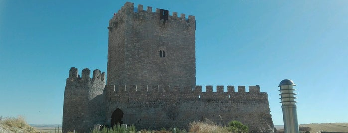 Castillo De Tiedra is one of Cerca de Urueña.