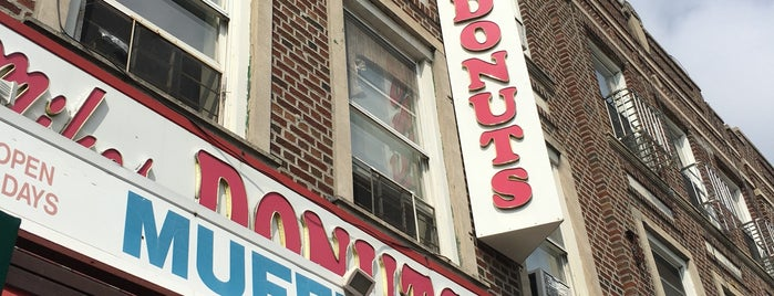 Mike's Donuts is one of Doughnuts.