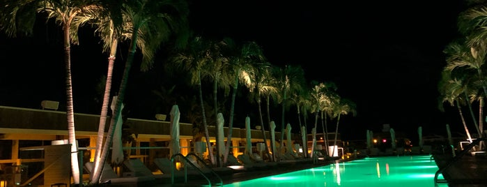 1 Hotel South Beach Rooftop & Lounge Bar is one of สถานที่ที่ Stefanie ถูกใจ.