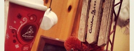 Caribou Coffee is one of Tempat yang Disukai Richard.