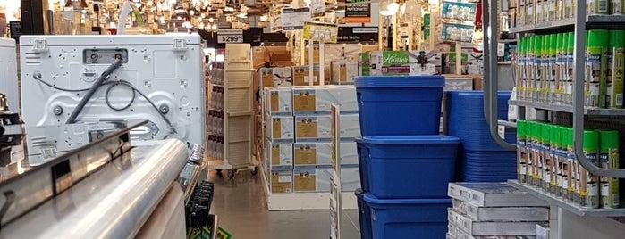 The Home Depot is one of Tempat yang Disukai Marie.